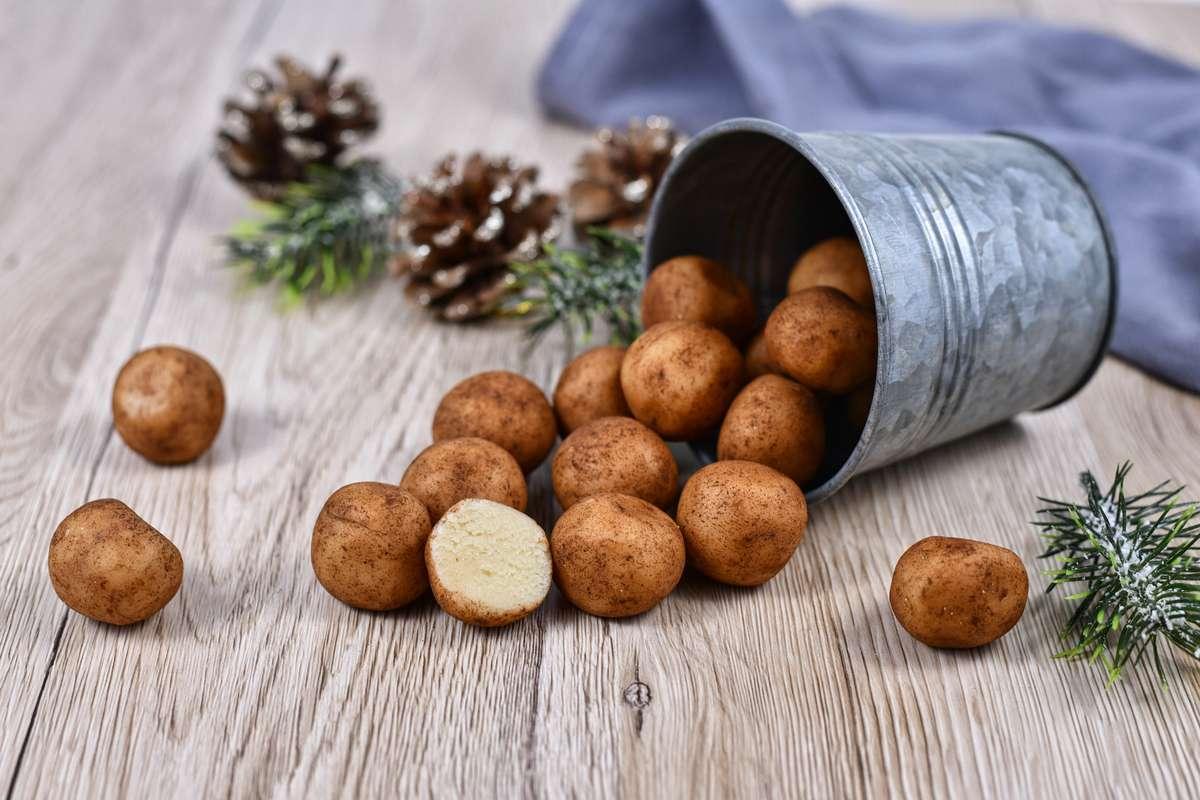 Marzipankartoffeln können Sie einfach selber machen. Foto: Firn/Shutterstock
