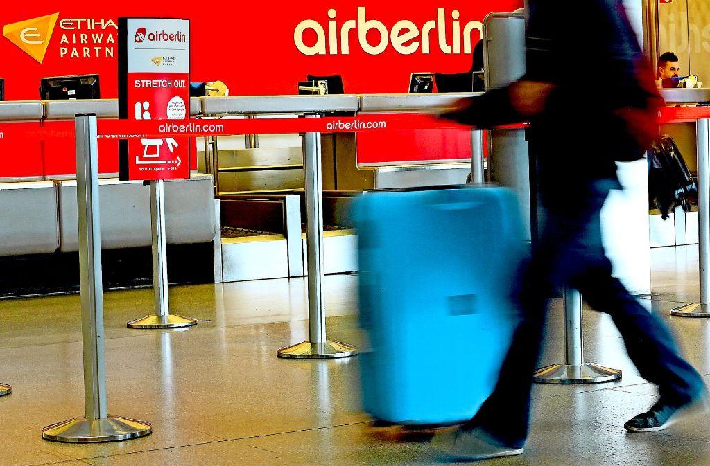 Die Tage von Air Berlin sind gezählt. Viele Kunden werden auf das Geld verzichten müssen, mit dem sie Tickets für nicht mehr stattfindende Flüge vor dem 15. August bezahlt haben. Foto: dpa
