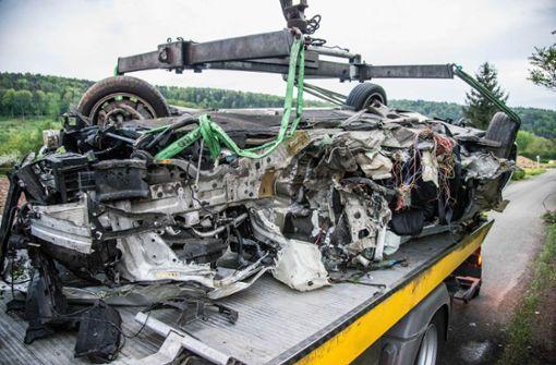 Tödlicher Unfall – und vier Schwerverletzte