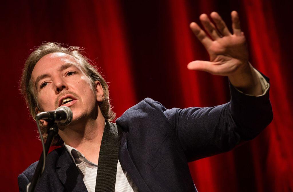 Seine Stärke sind die Anekdoten zwischen den Songs: Olli Schulz in Stuttgart Foto: Lichtgut/Christoph Schmidt