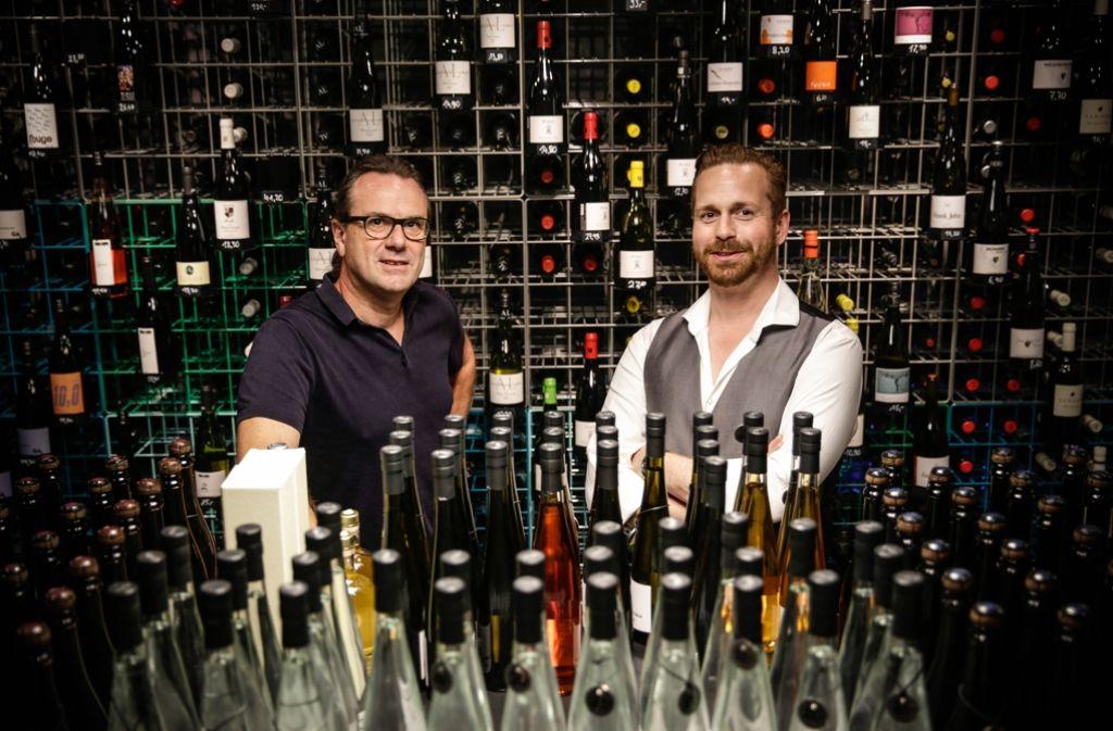 Bernd Kreis (li.) und Philipp Berg sind selbstständige Weinexperten. Foto: Lichtgut/Leif Piechowski