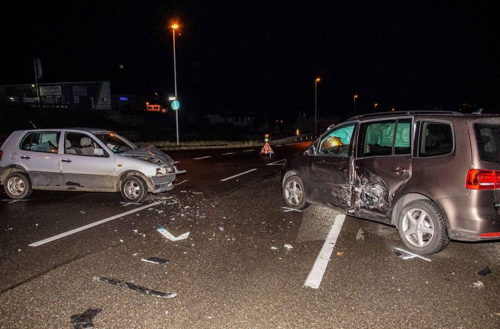 Bei dem Unfall wurden zwei Personen verletzt. Foto: SDMG/Dettenmeyer