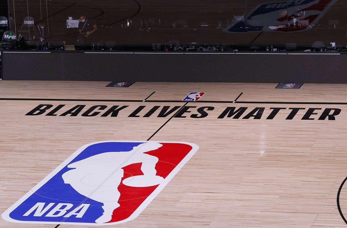 Das Spielfeld bleibt leer – nicht nur in der NBA. Foto: AFP/Kevin C. Cox