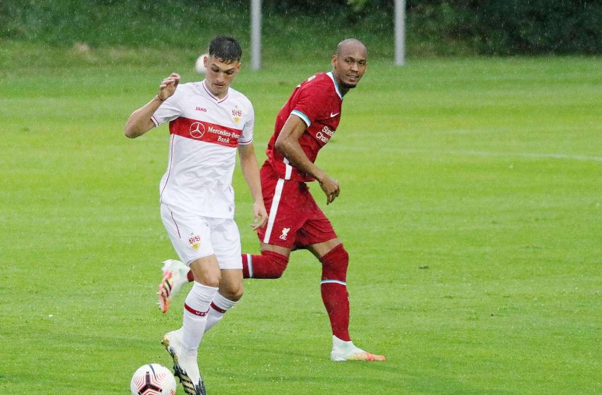 Voller Einsatz im Dauerregen von Saalfelden: VfB-Profi Erik Thommy zeigt Einsatz. Foto: Pressefoto Baumann/Pressefoto Baumann