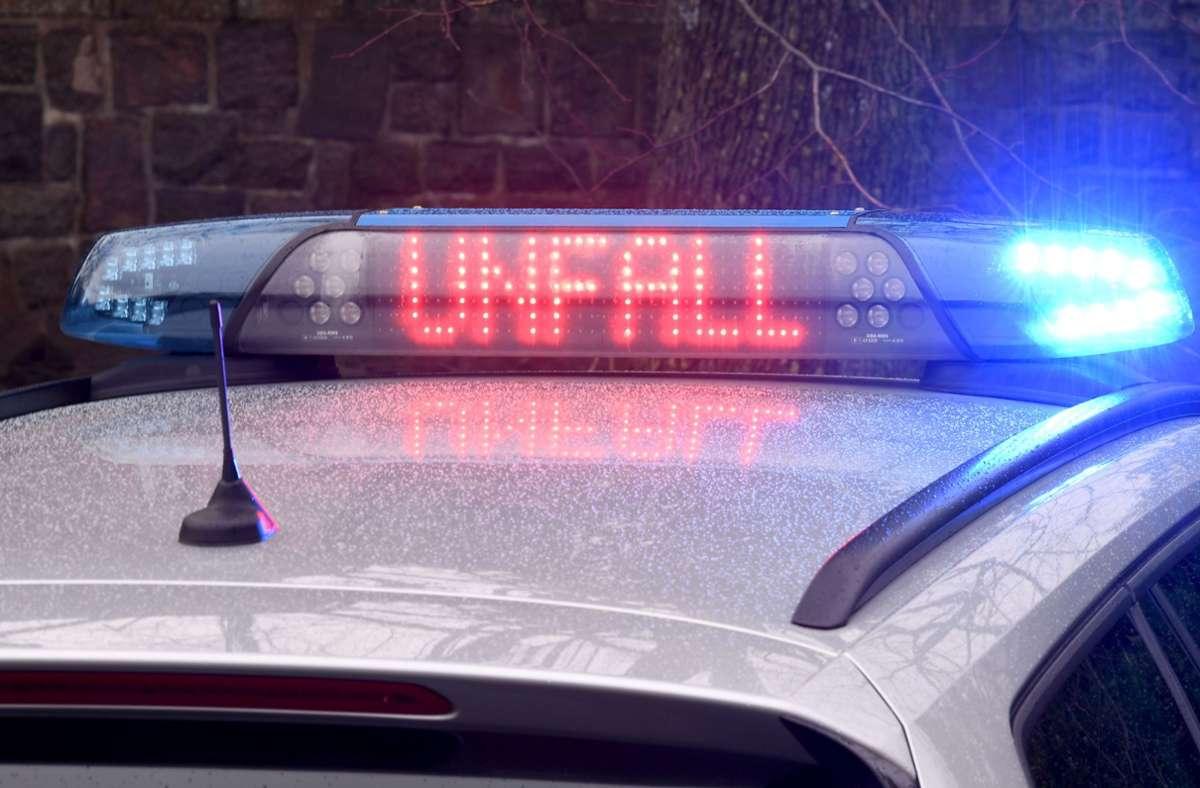 Laut Polizei wurde keiner der Fahrer verletzt. (Symbolbild) Foto: dpa/Carsten Rehder