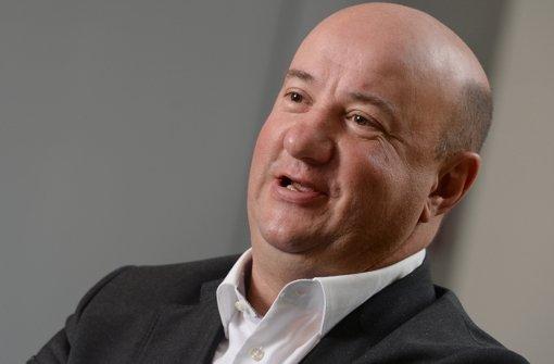 Daimler-Betriebsratschef Michael Brecht gibt einen Ausblick auf die Verhandlungen. Foto: dpa