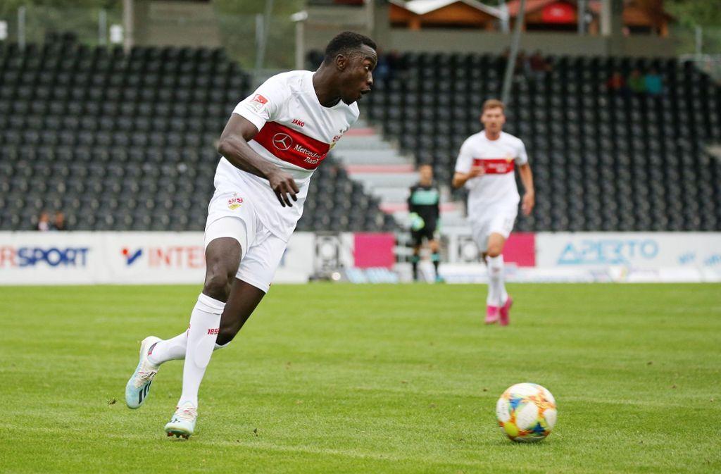VfB-Neuzugang Silas Wamangituka am Ball: Der  VfB musste sich beim Drei-Ligen-Cup der SG Sonnenhof Großaspach geschlagen geben. Foto: Pressefoto Baumann