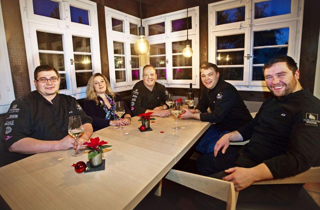 In der Alten Vogtei: Nadine und Lars Volbrecht (Mitte) mit von links Patrick Hackert, Aaron Turner und Alexander Huber Foto: Ines Rudel