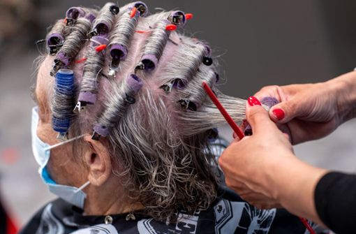 Friseure in Bremen dürfen Hausbesuche machen – noch