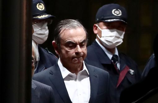 Carlos Ghosn verlässt trotz Hausarrest Japan