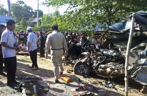 Crash mit Touristenbus - viele Tote