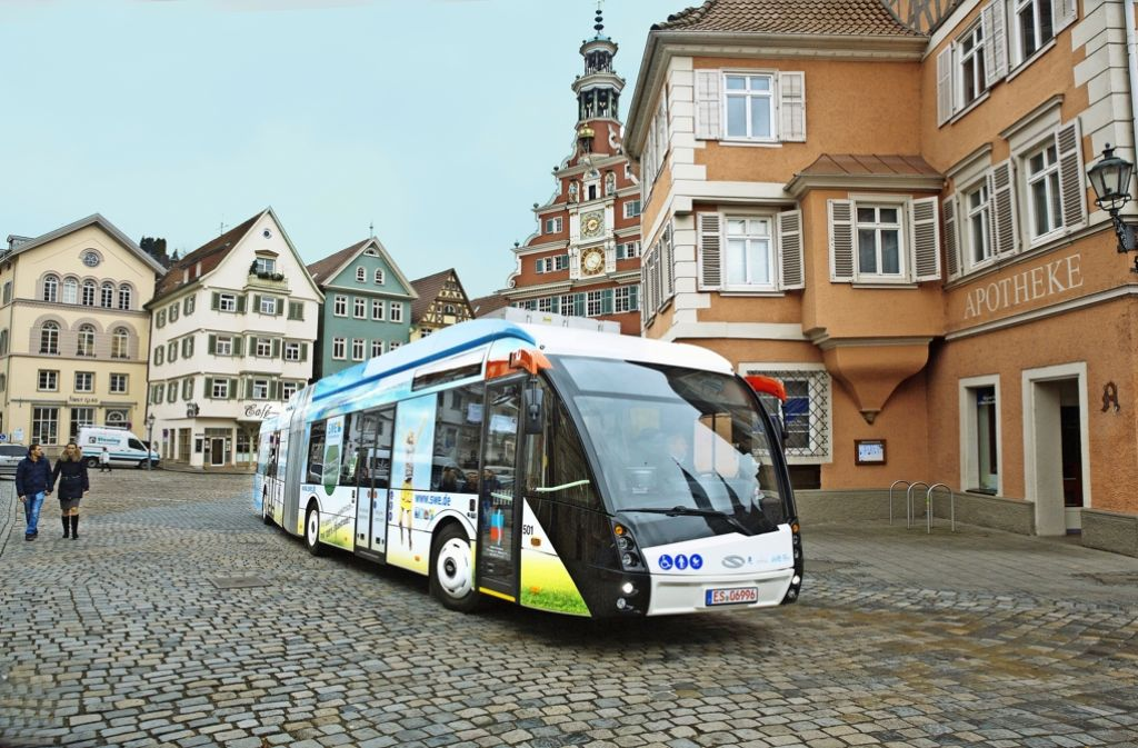 Die modernen Elektro-Hybrid-Busse könnten den Verkehrsbetrieb retten. Foto: Horst Rudel