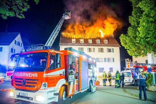Dachstuhl lichterloh in Flammen