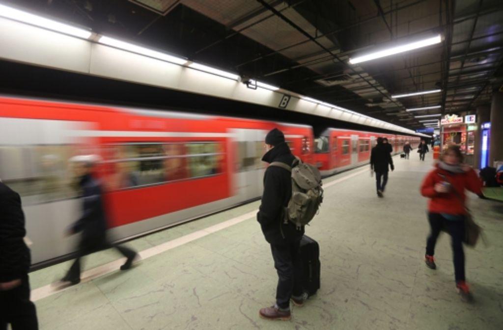 Der Verkehrsclub Deutschland glaubt, dass die Diskussion über Stuttgart 21 Verbesserungen im Nahverkehr verhindert hat. Wir zeigen die Geschichte des Bahnprojekts in einer Bilderstrecke. Foto: Achim Zweygarth