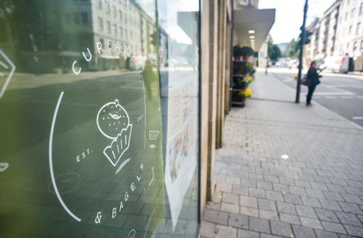 Bäcker neun Jahre illegal am Hölderlinplatz?