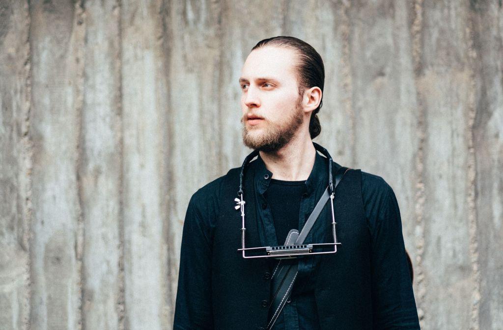 Er will mit einem englischsprachigen Soloalbum seine Generation aufrütteln – der Aktivist und Musiker Daniel Hughes aus Kirchheim. Foto: Thomas Jones