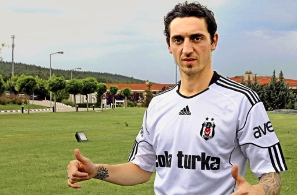 Der frühere Stuttgarter Robert Hilbert, hier noch im Trikot von Besiktas Istanbul, spielt seit dieser Saison für Bayer Leverkusen. Foto: