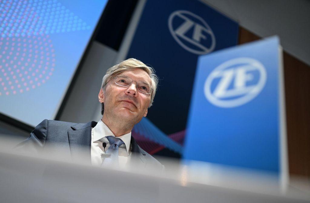 Der Vorstandsvorsitzende Wolf-Henning Scheider präsentiert die Bilanz von ZF Foto: dpa