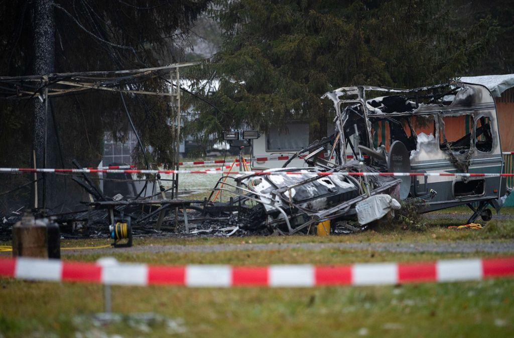 Bei dem Wohnwagenbrand kam ein Mensch ums Leben. Foto: dpa