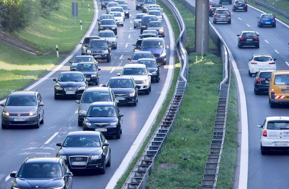 Auf der B27 staut sich oft der Verkehr. Foto: Michael Steinert