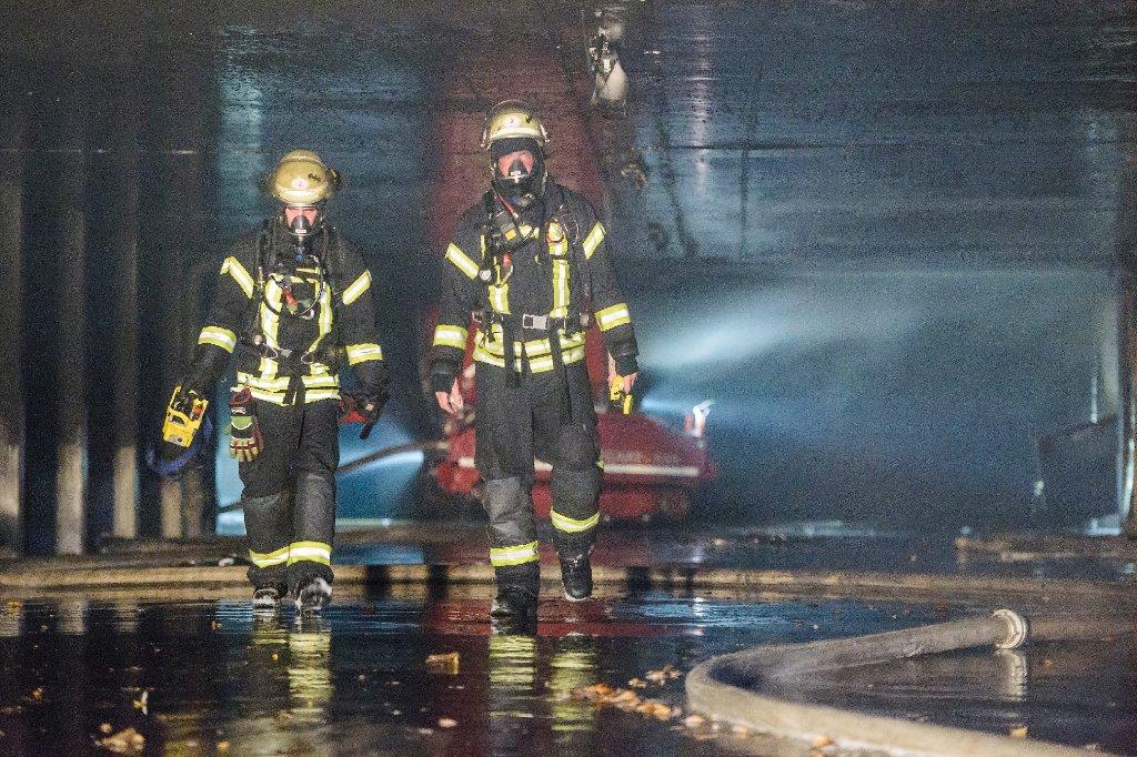 Rund 300.000 Euro Schaden sind die Bilanz eines Tiefgaragenbrandes vom Samstag. Foto: www.7aktuell.de | Oskar Eyb