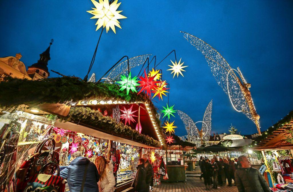 Stille Nacht? Still ist es auf dem Weihnachtsmarkt eher nicht. Aber hoffentlich friedlich. Foto: factum/Granville