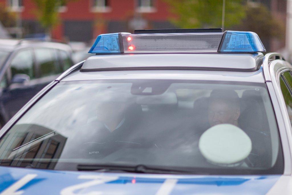 Ein Anhänger hat sich in Wernau selbständig gemacht und ist gegen ein Auto gekracht. Die Polizei sucht Zeugen. Foto: www.7aktuell.de | Frank Herlinger