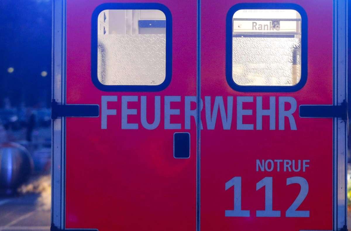 Feuerwehr und Polizei rückten aus (Symbolbild). Foto: imago images/Jochen Eckel