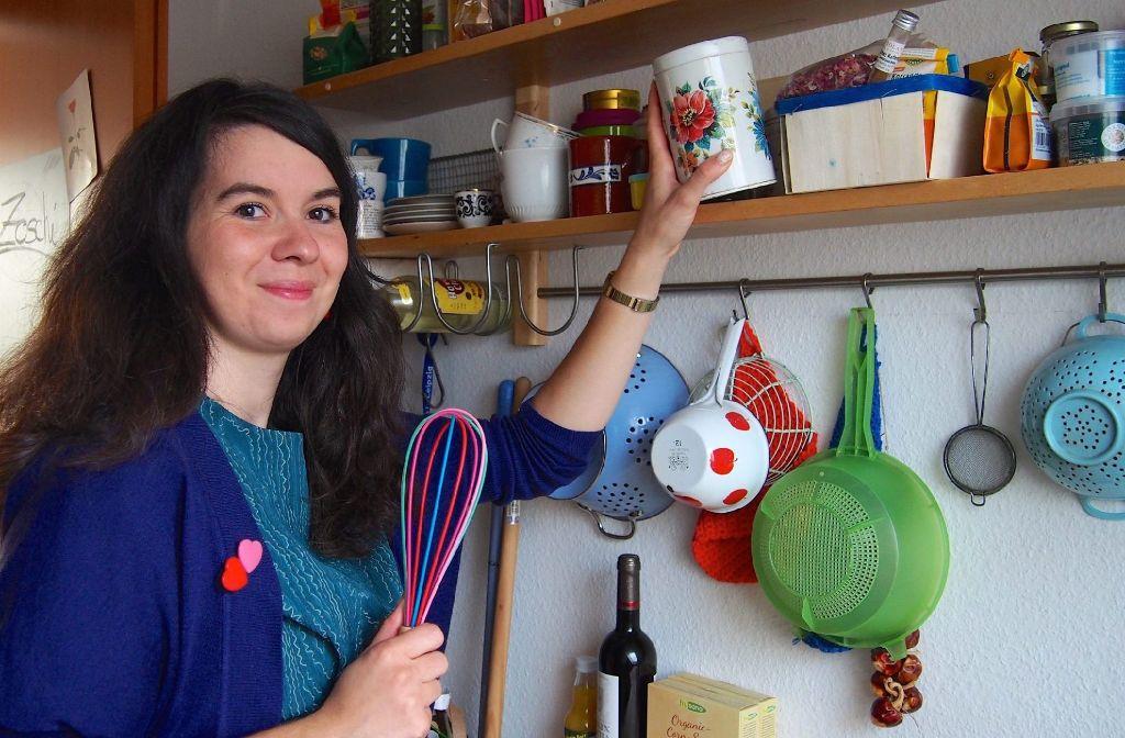 Die Backfee vom Balkan: Sonja Lukenda verschenkt zu Weihnachten gerne selbstgemachte süße Leckereien. Foto: Tanja Simoncev