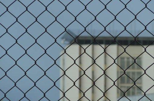Die JVA Stuttgart-Stammheim ist in den 70er Jahren durch die inhaftierten RAF-Terroristen in der ganzen Republik bekannt geworden. Dieses Jahr wird das Gefängnis 50 Jahre alt.  Foto: Leserfotograf hechi