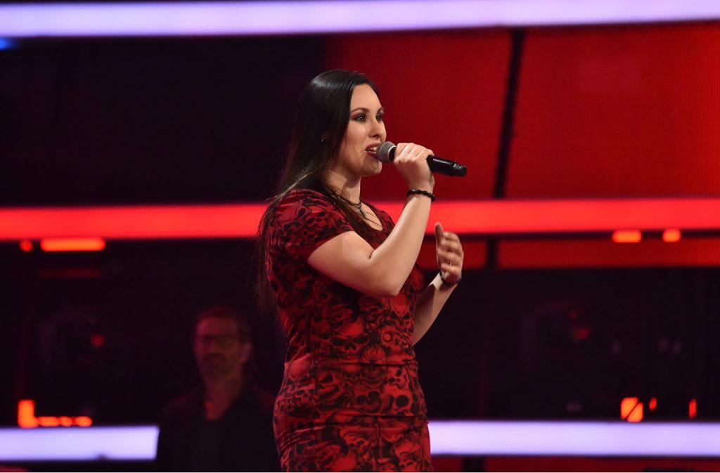 """Stefanie Stuber konnte mit einer Metal-Nummer bei """"The Voice of Germany"""" überzeugen. Foto: SAT.1/ProSieben/André Kowalski"""