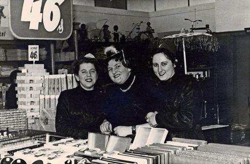 Die drei Frauen vom Papierwarenladen am Stöckach