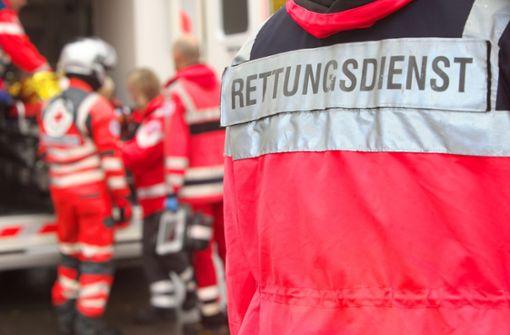 21-jähriger Autofahrer fährt nach Streit Mann an – Spezialklinik
