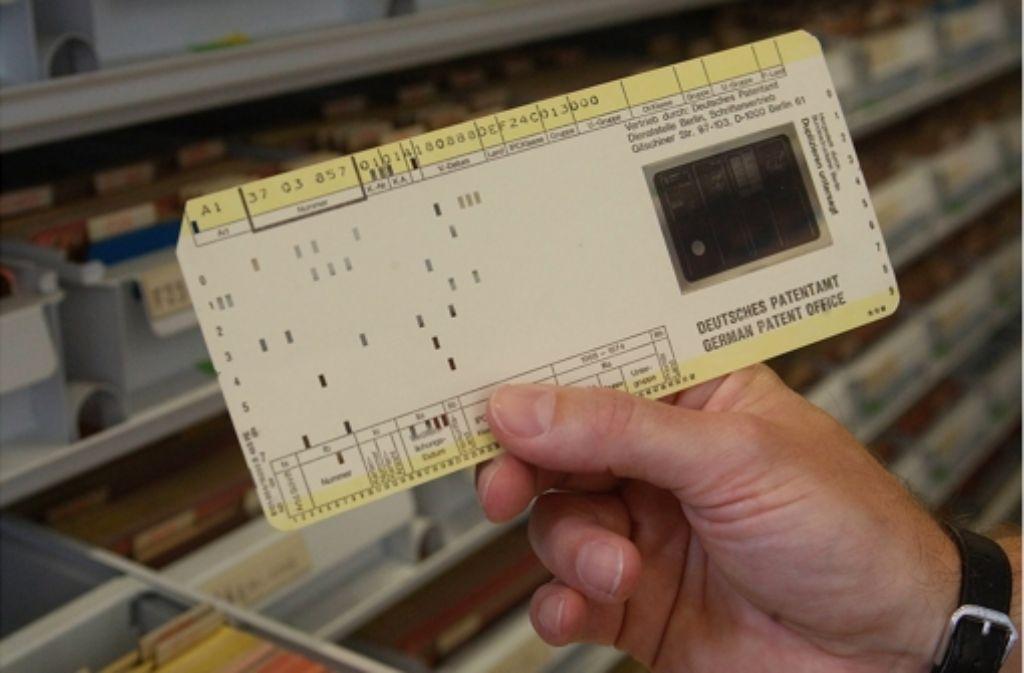 Computer mit Monitor? Für echte Experten war das in den 50er Jahren nichts. Sie kannten sich schließlich mit Lochkarten aus. Foto: Achim Zweygarth