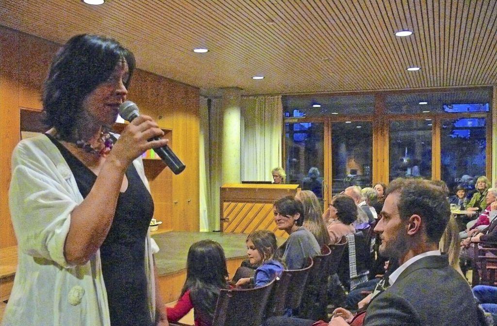 Ines Martinez hat zum EKiZ-Geburtstag gesungen. Foto: Petra Mostbacher-Dix