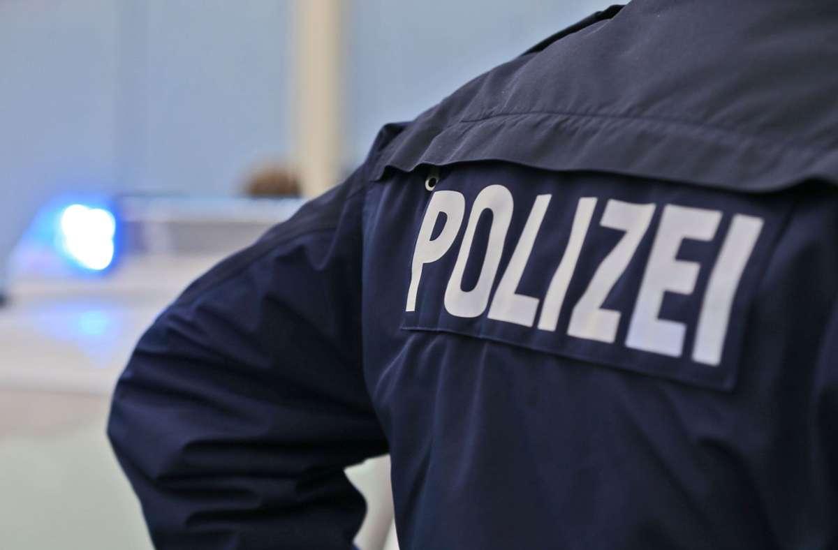 Dreister Handy-Raub auf dem Böblinger Bahnhof. Die Kriminalpolizei bittet um Zeugenhinweise Foto: Eibner-Pressefoto/Deutzmann / Eibner-Pressefoto