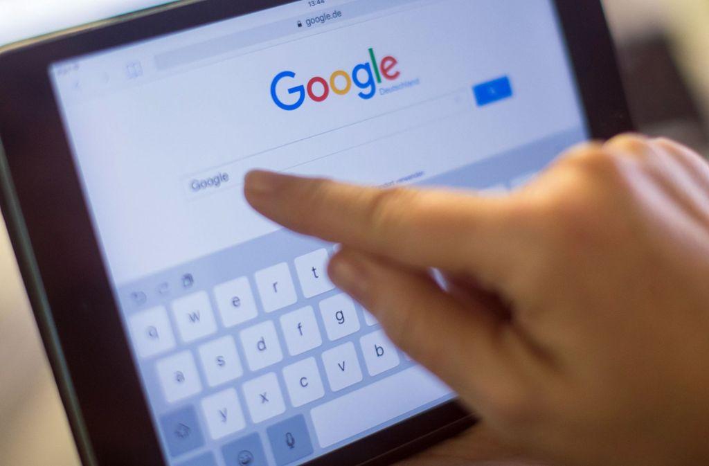 Der festgenommene 35-Jährige machte sich auch durch bestimmte Suchbegriffe bei Google verdächtig. (Symbolbild) Foto: dpa/Lukas Schulze