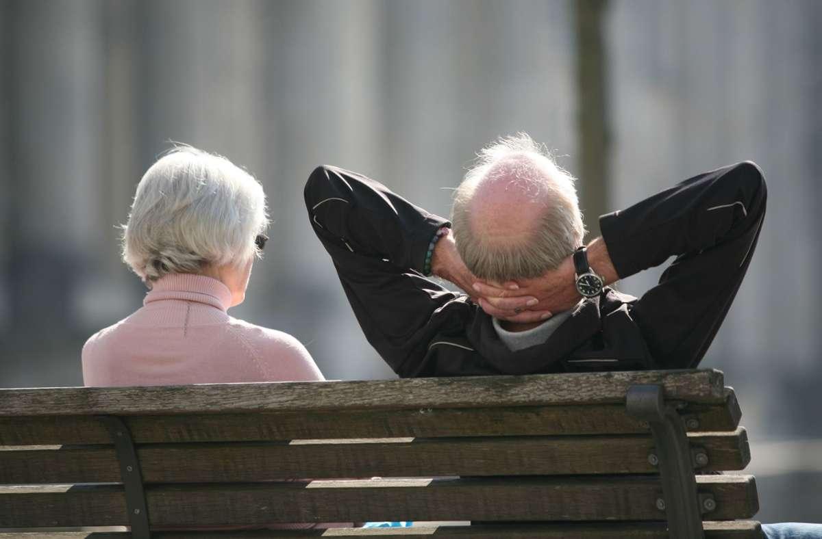 Sorgenfrei ins Alter – das geht in den meisten Fällen nur, wenn man neben der gesetzlichen Rente privat gut vorsorgt. Foto: picture alliance/dpa/Stephan Scheuer