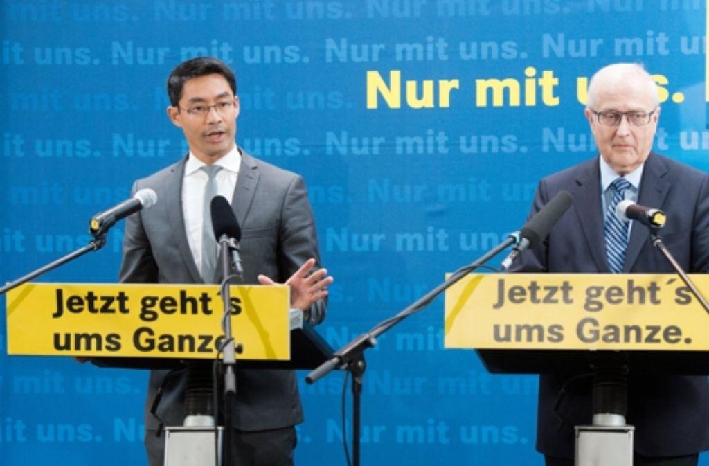 """FDP-Chef Philipp Rösler und Spitzenkandidat Rainer Brüderle gehen """"aufs Ganze"""". Foto: dpa"""