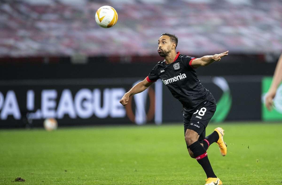 Leverkusens Karim Bellarabi legt sich den Ball zum 5:1 vor. Foto: dpa/Marius Becker