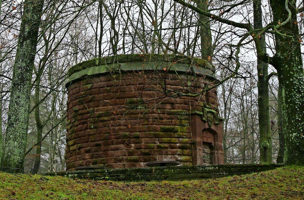 Das ist das Überbleibsel des Hasenbergturms – einst war er 36 Meter hoch. Foto: Achim Zweygarth