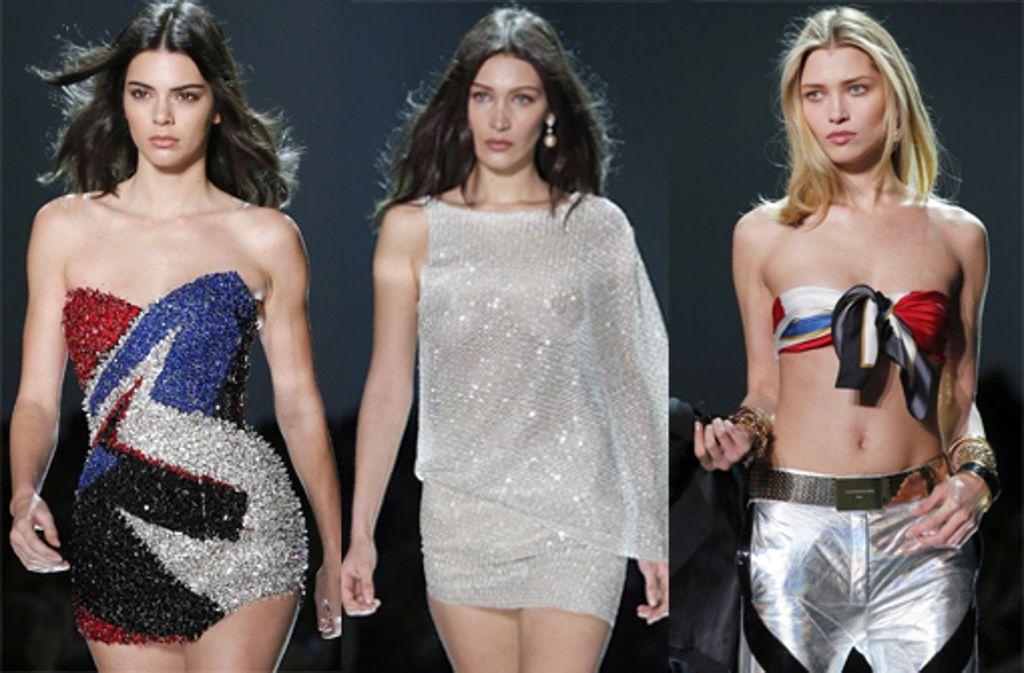 Die Models Kendall Jenner und Bella Hadid zeigen bei der Fashion Week in Paris die sexy Mode der Designer. Foto: 2017 Getty Images