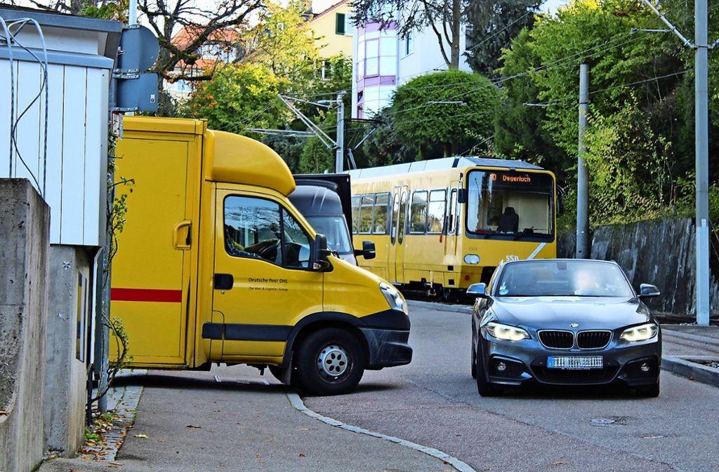 Verstöße gegen die Straßenverkehrsordnung gehören an der Alten Weinsteige  zur Tagesordnung. Foto: Tilman Baur