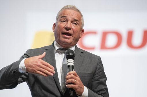 Minister Strobl regt personalisierte Tickets für Zuschauer an