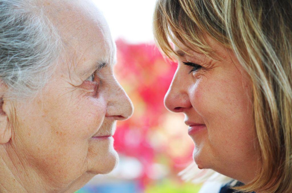 Wer im Alter sorgenfrei leben will, muss rechtzeitig vorsorgen.  Foto: AdobeStock