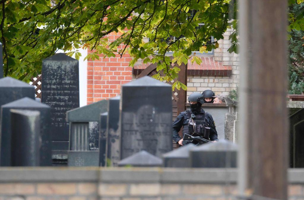 Stephan B. ist als der mutmaßlicher Angreifer von Halle am Mittwoch festgenommen worden. Foto: AFP/SEBASTIAN WILLNOW