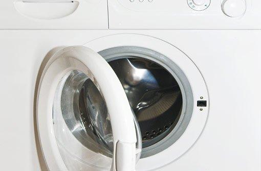 20. August: Unbekannte sprengen Waschmaschine