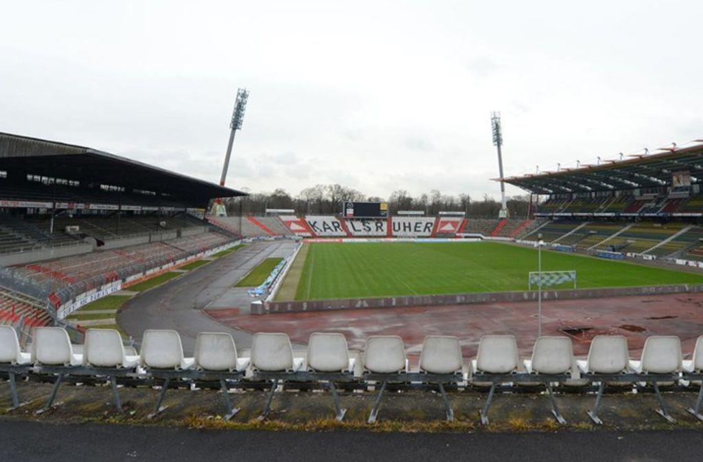 Im Wildparkstadion in Karlsruhe werden Baumaßnahmen vorgenommen.   (Archivbild vom Wildparkstadion). Foto: dpa