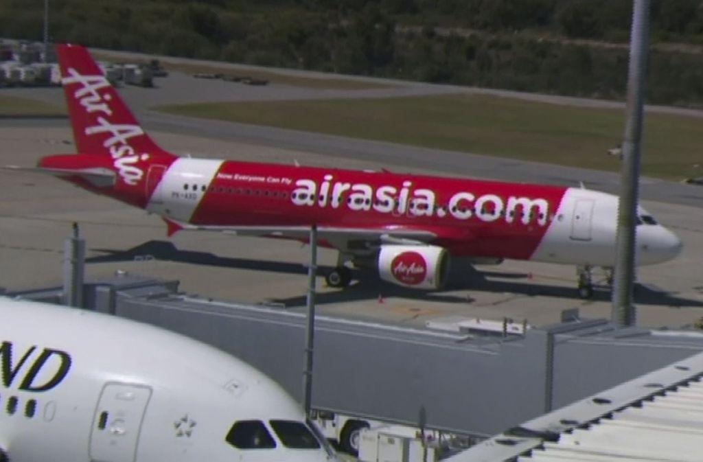 Die Air-Asia-Maschine flog schließlich nach Perth zurück. Foto: AP/Channel 9