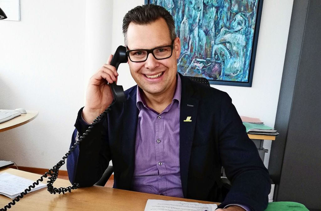 Bürgermeister Carl-Gustav Kalbfell will Leinfelden-Echterdingen nun die Treue halten. Foto: Natalie/ Kanter